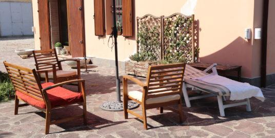 Ex corte colonica con villa in vendita a Budrio Maddalena di Cazzano