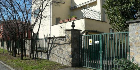 Bologna Zona Mazzini Via Laureti Villa trifamiliare in vendita