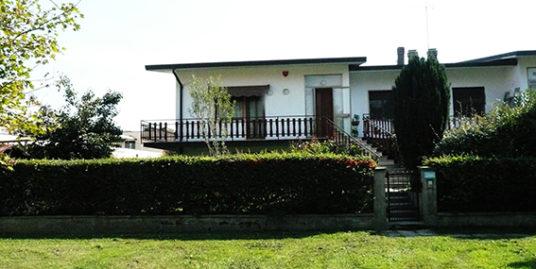 Villa bifamigliare a Budrio