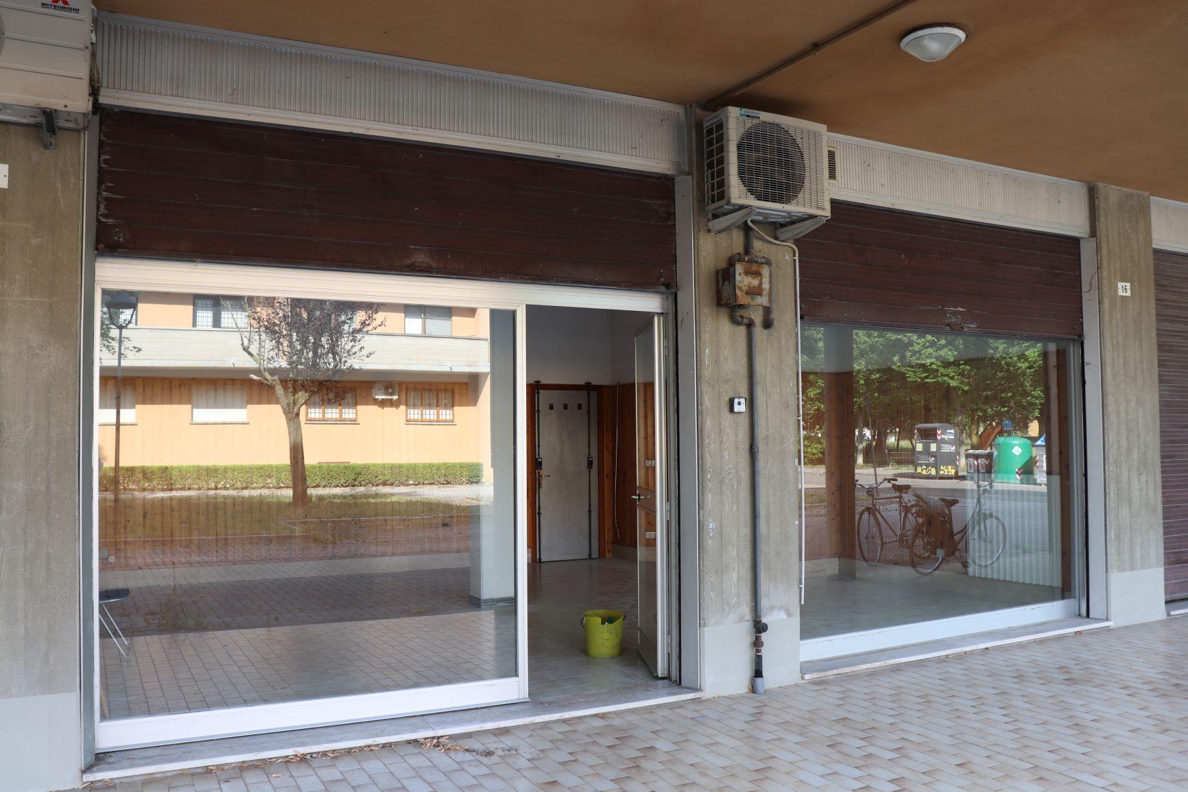 Ufficio/negozio in vendita a Budrio